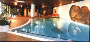 hilton_pool